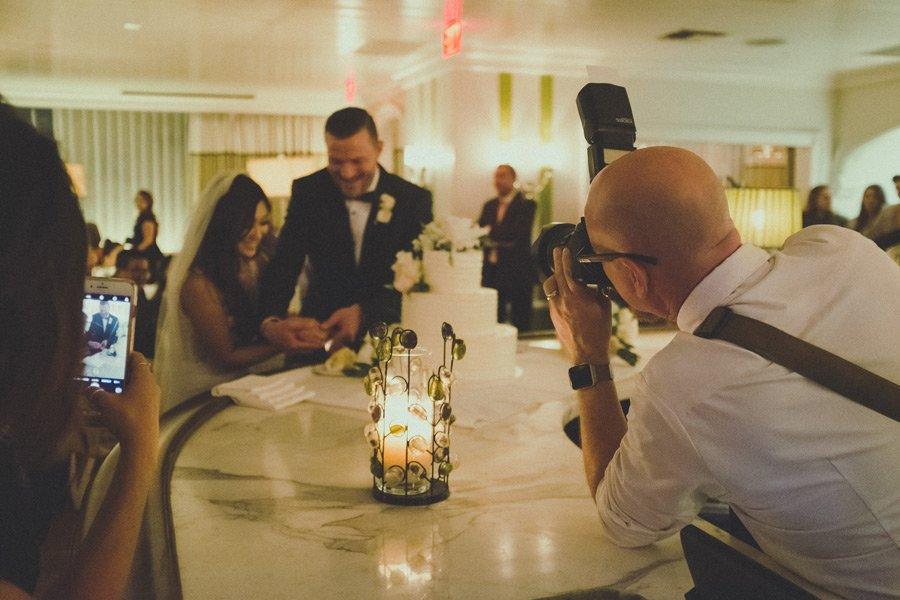 nuzhen-li-fotograf-na-svadbe